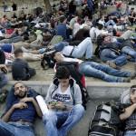 """Turquía: miles de inmigrantes sirios piden """"derecho a pasar a Europa"""""""