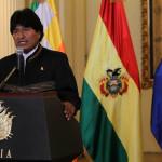 Bolivia: Evo Morales y expresidentes cantan Himno al Mar