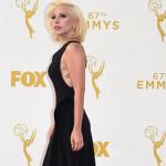 Emmy 2015: Lady Gaga impresiona en la alfombra roja