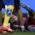 Lionel Messi se lesiona y no jugará dos meses (VIDEO)