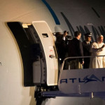 EEUU: Francisco pide atender a inmigrantes y pobres antes de partir a Roma