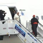 Papa Francisco deja La Habana y enrumba hacia Holguín