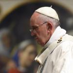 El Papa preside ceremonia de la Pasión de Cristo en el Vaticano