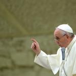 El Papa pide perdón por ofensas de católicos hacia otros cristianos
