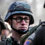 Oliver Stone cumple 69 y demora filme de Snowden