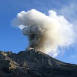 Volcán Ubinas: IGP reporta nueva expulsión de cenizas (VIDEO)