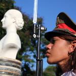 Canciller argentino inaugura busto de Eva Perón en La Habana