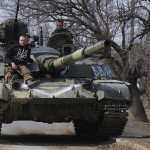 Ucrania: separatistas empiezan a retirar armamento pesado