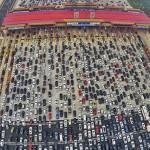 China: miles de autos atrapados en el peor tráfico de la historia