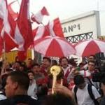 Perú vs Chile: hinchas apoyan a la selección con un banderazo