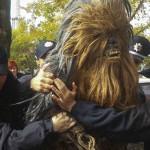 Star Wars: El día que metieron preso a Chewbacca (Video)
