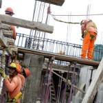 Surco: trabajadores de construcción serán monitoreados