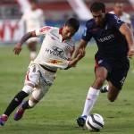 Universitario gana 2-0 a San Martín y se mantiene en la punta