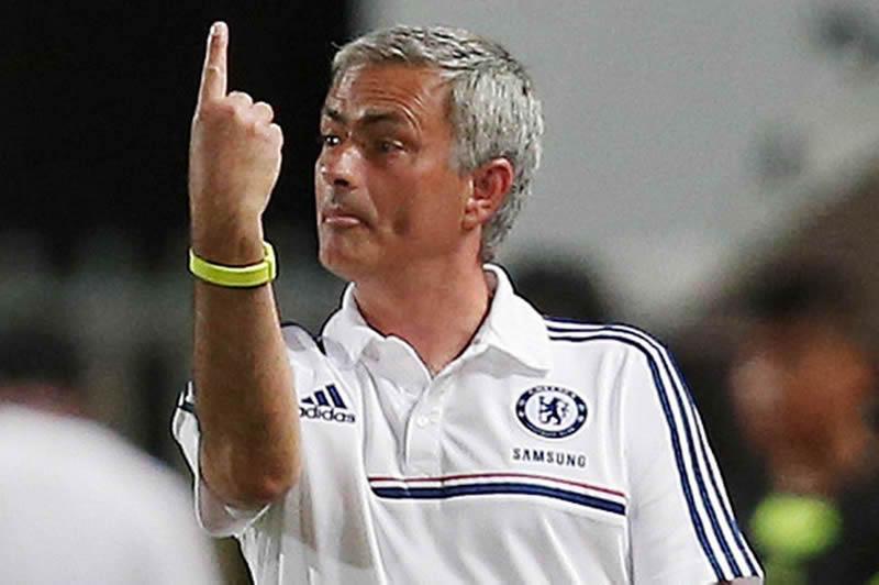 Mourinho es suspendido un partido y multado por su comportamiento