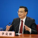 Li Keqiang: China ha prevenido con éxito riesgos del mercado