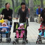 China pone fin a la política del hijo único tras más de 30 años