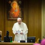 Papa Francisco: 'primer deber de la Iglesia no es condenar o anatemizar'