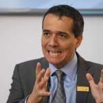 Diario inglés reconoce labor de ministro Alonso Segura