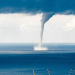 Tormenta Patricia se convierte en huracán frente a costas mexicanas