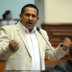 Congresista Walter Acha renuncia a bancada de Gana Perú