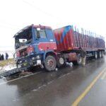 Junín: Choque entre combi y camión deja diez muertos