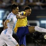 Argentina empató con Brasil 1-1 y profundizó su crisis de resultados