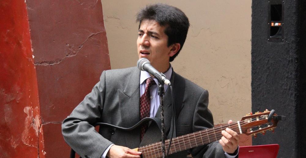 Homenaje Hugo Bustíos Crónica Viva 19