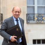 Francia bombardea centro petrolero del Estado Islámico en Siria