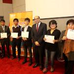 MIMP premia a ganadores de concurso de historietas sobre adopción