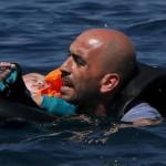 Grecia: 5 mujeres y 6 niños mueren tras naufragio de bote