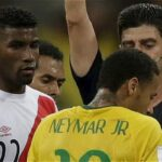 YouTube: Árbitro rechazó camiseta de Neymar