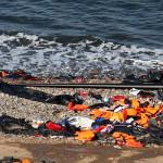 Islas griegas ya no tienen espacio para sepultar a refugiados ahogados