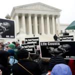 Tribunal Supremo de EEUU acepta abordar polémico caso sobre el aborto