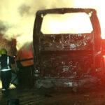 México: 24 mueren calcinados en choque entre auto y ómnibus