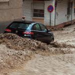 España: Inundaciones y vientos huracanados azotan Andalucía y Cádiz