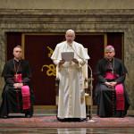 Conservadores de la Curia Romana se unen contra Francisco