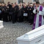 Francia: Emotivos funerales de 132 víctimas de atentados