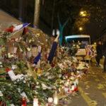 París: Hollande y Obama rinden homenaje a víctimas en Bataclan