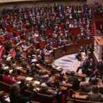 Parlamento francés prorroga tres meses estado de emergencia