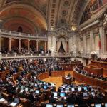 Portugal: Parlamento aprueba adopción para parejas homosexuales