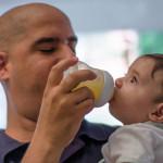 Suecia: Parlamento aprueba tercer mes de permiso de paternidad