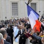 """Papa Francisco: """"Nada de puertas blindadas en la Iglesia"""""""
