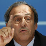 """FIFA: Platini critica el """"freno deliberado y cínico"""" a su candidatura"""