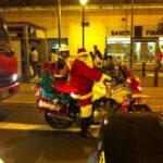 Policía Nacional: 'Papá Noel' y 'Mamá Noela' patrullan por Navidad