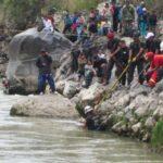 Huancayo: Tres desaparecidos al caer auto a río Mantaro