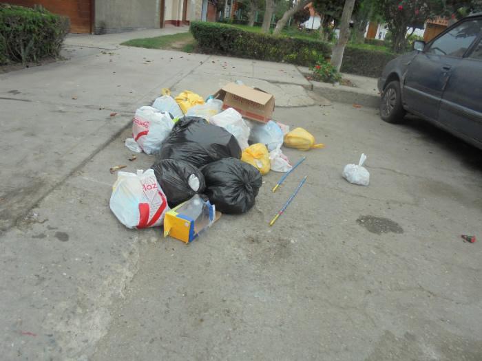 Surquillo: vecinos exigen recojo de basura y seguridad