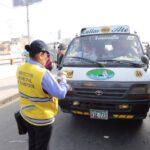 Lima: 25 combis fueron enviadas al depósito municipal