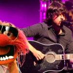 Muppets: Dave Grohl y Animal en duelo de baterías