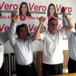 Frente Amplio firma acuerdo con tres grupos políticos