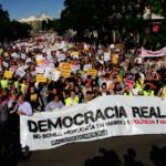 """España: Podemos y sus """"indignados"""" a puertas del Parlamento"""